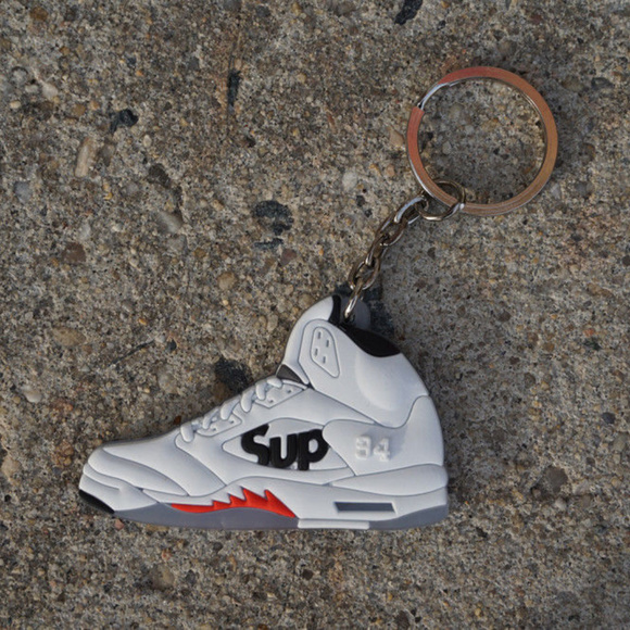 0f278271345e Nike Jordan Retro 5 Supreme White Shoe Keychain. M 5ac1453f85e60567e8af89d5